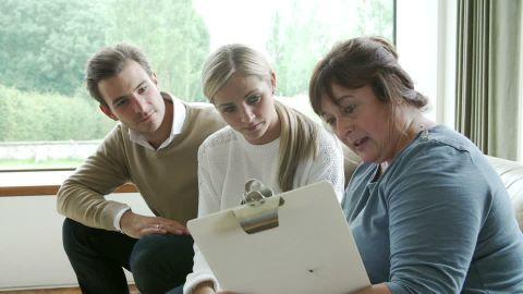 social-worker-IHSS-visit